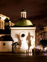 In the Krakow town square - a little shadow play